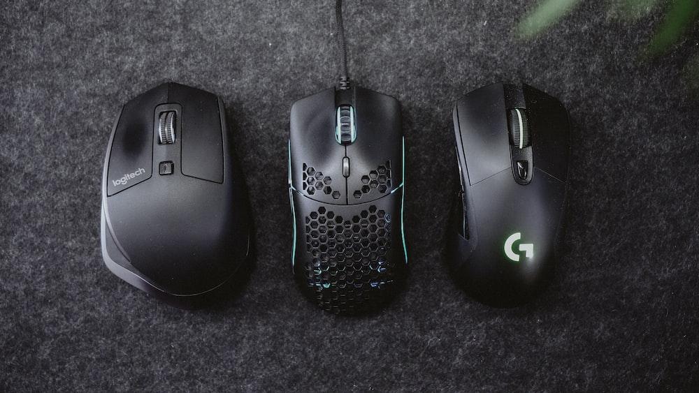 black logitech cordless computer mouse