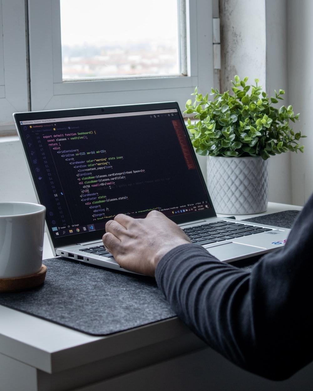 Front End Developer - Pekerjaan yang Menghasilkan Uang Banyak Secara Online