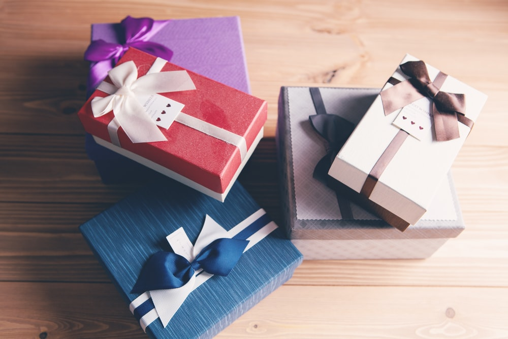 pink and blue gift boxes