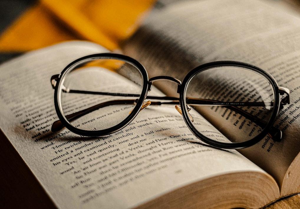 ayda bir kitap okumak