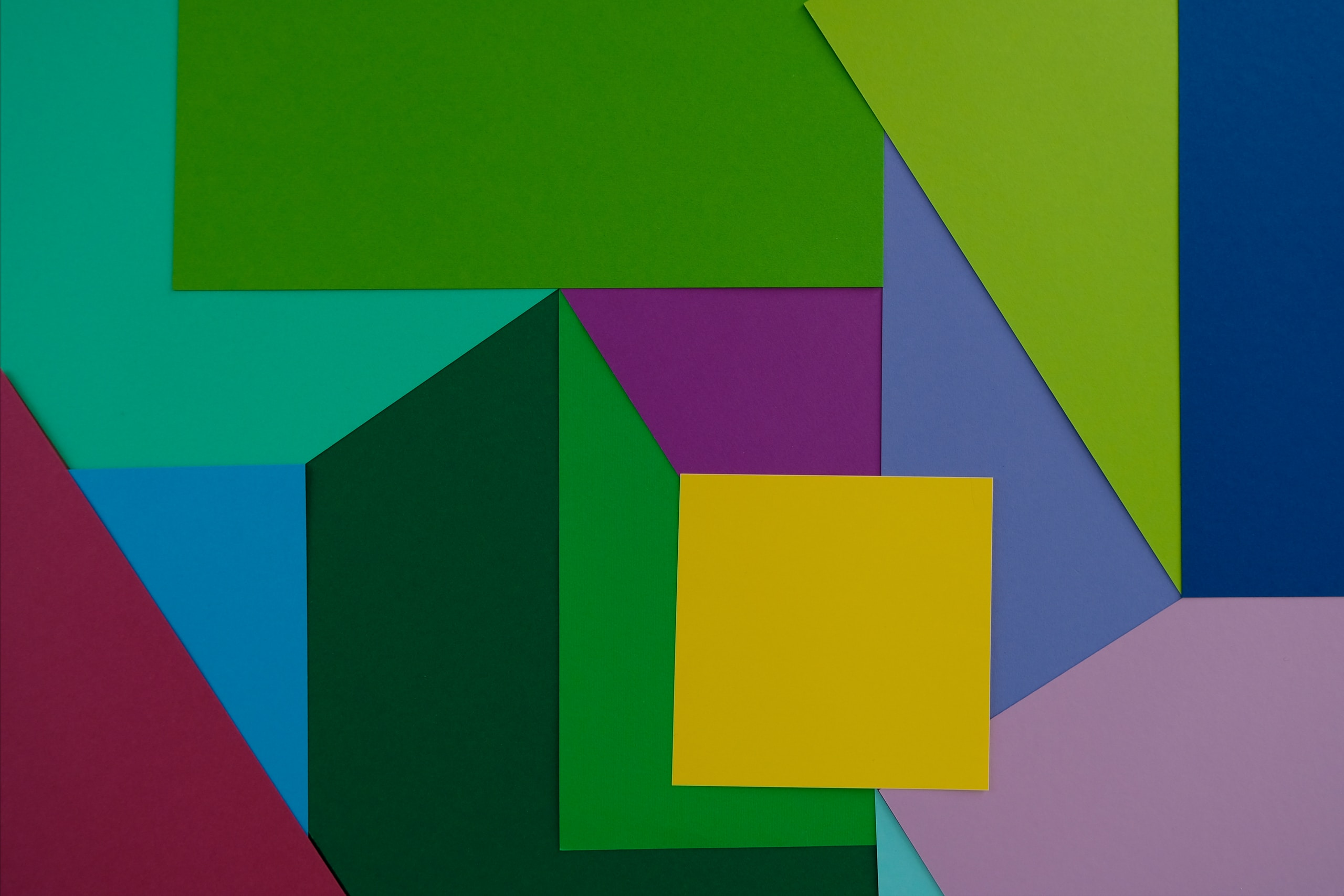 Geometric abstractionism with cold colors