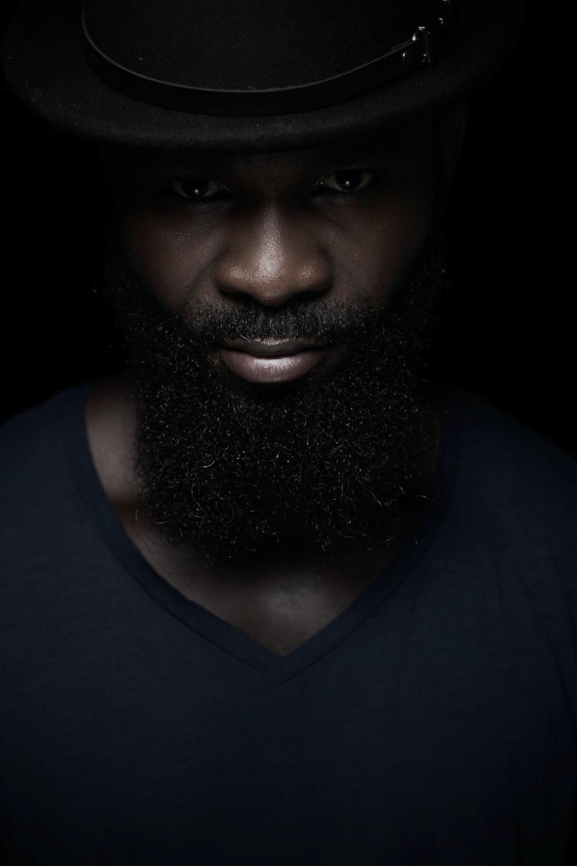 man in black v neck shirt