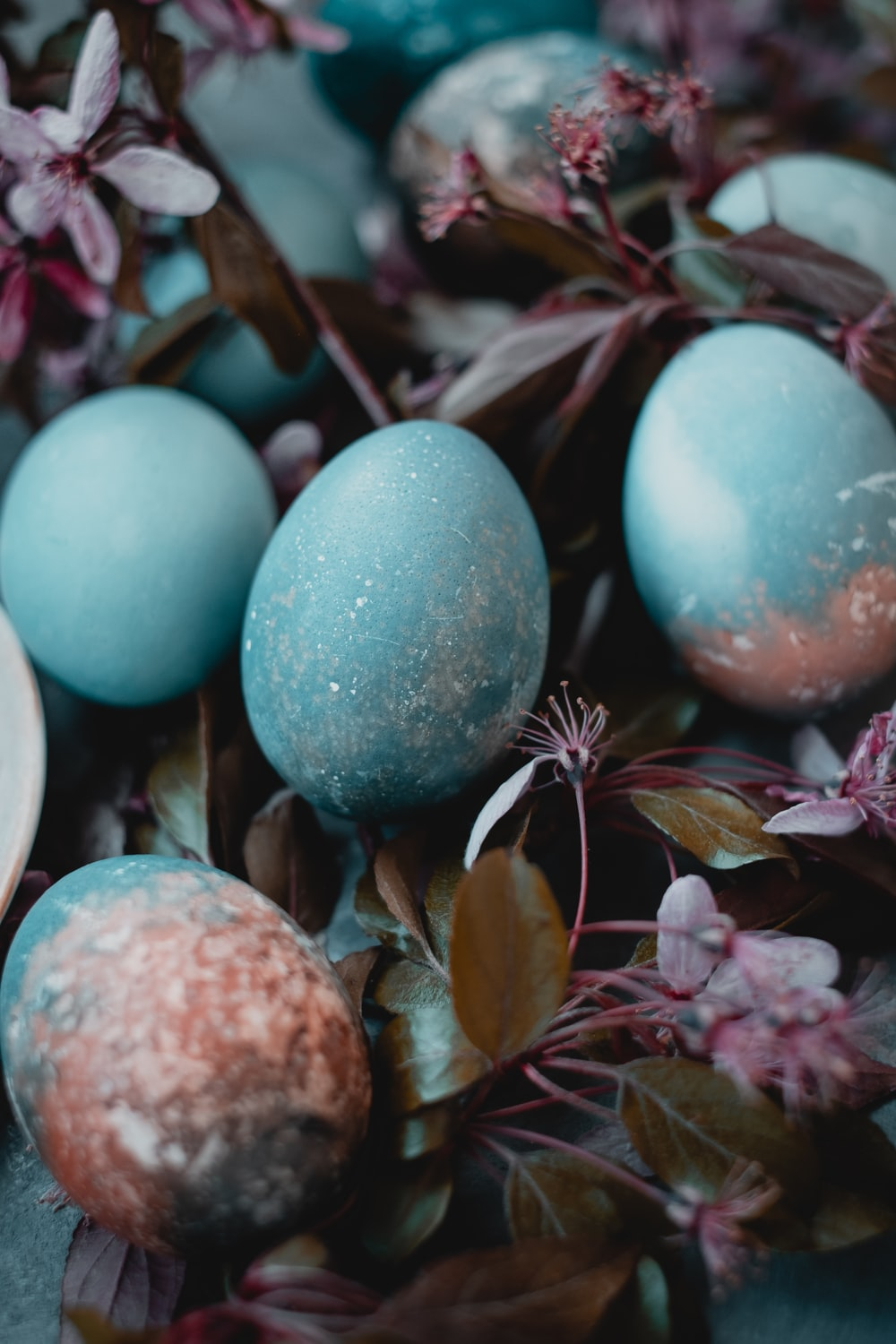 blue and white egg decors