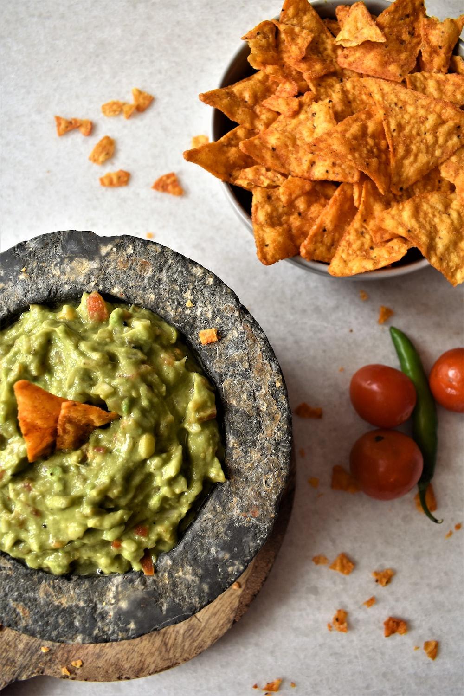 green vegetable on gray ceramic bowl