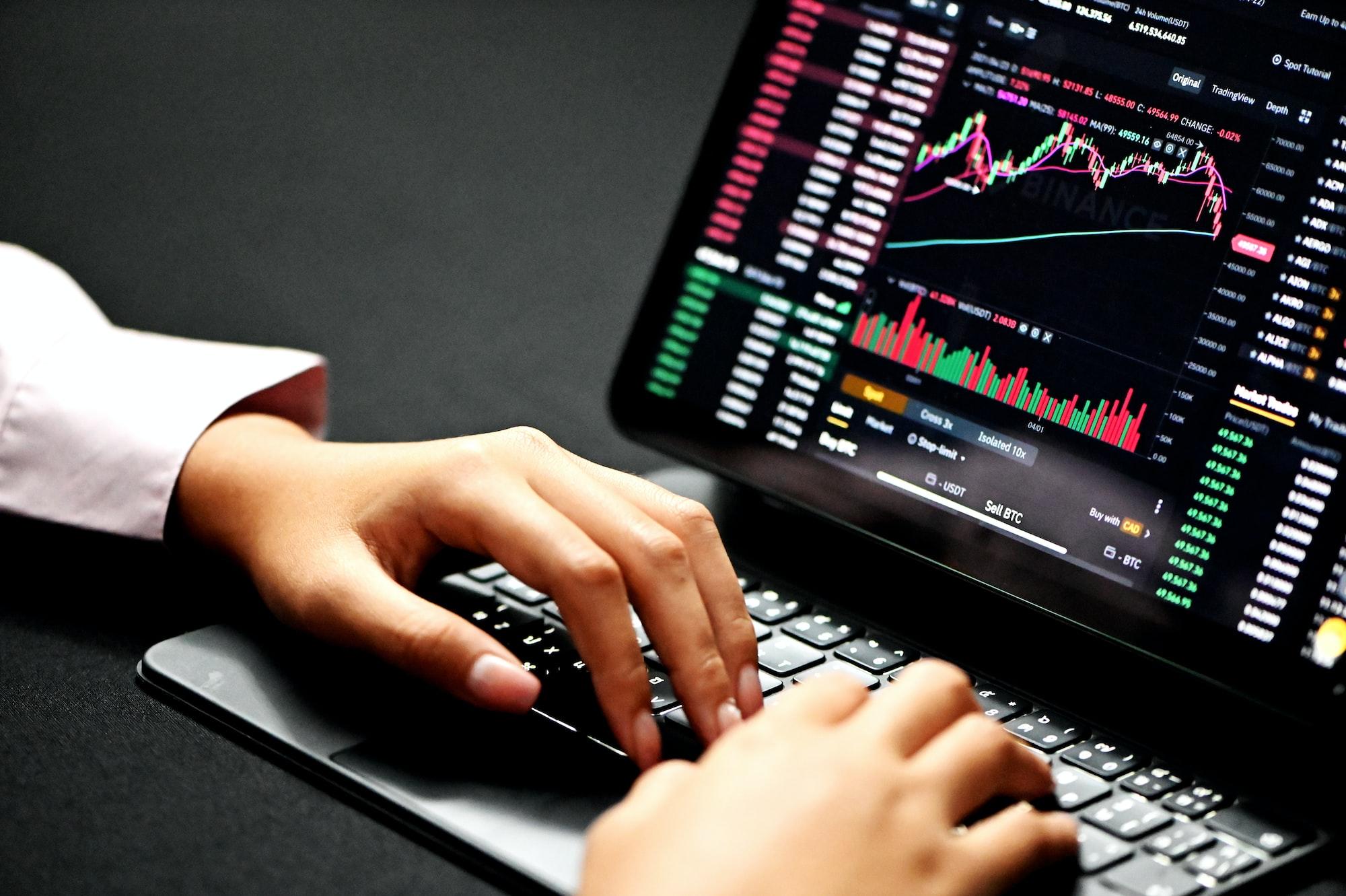 Przegląd rynku akcji i kryptowalut - wideo