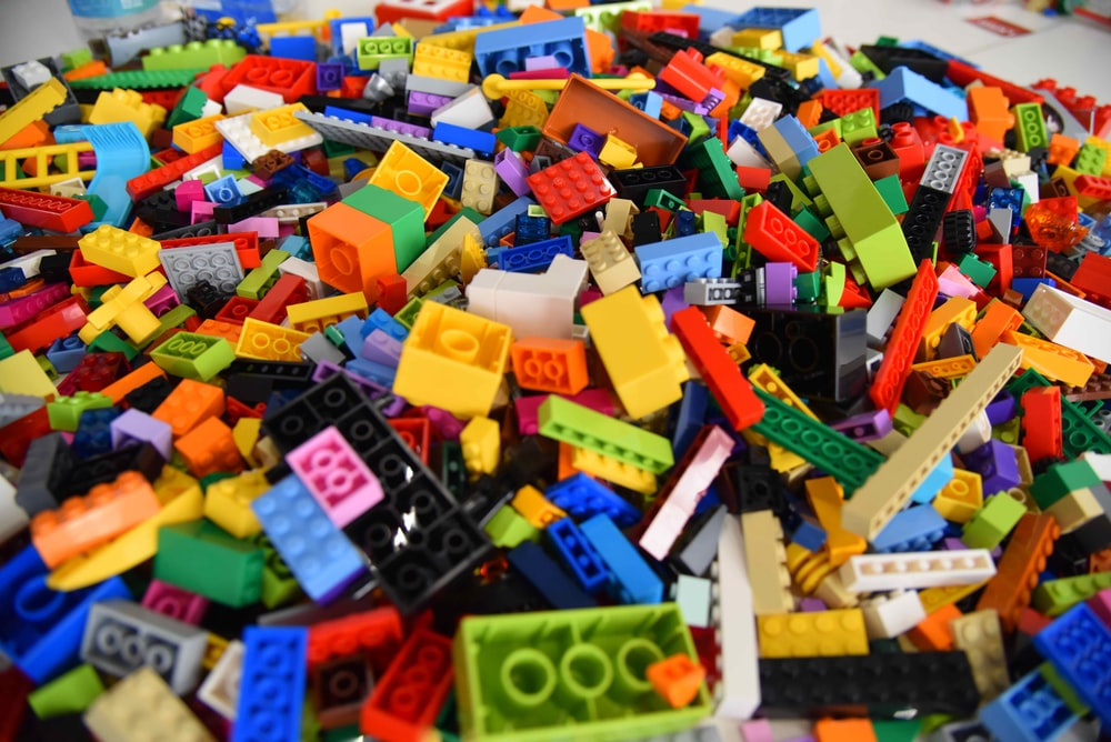 green blue and yellow lego blocks
