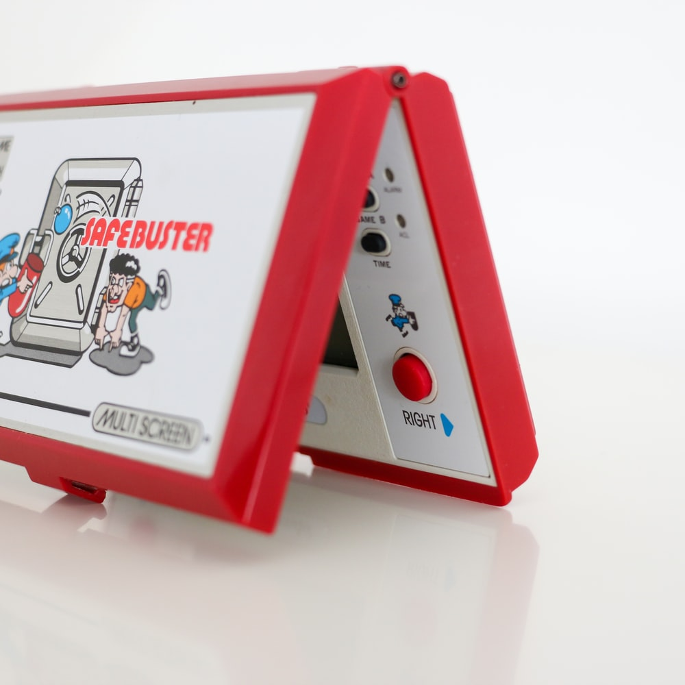 red and white nintendo game boy