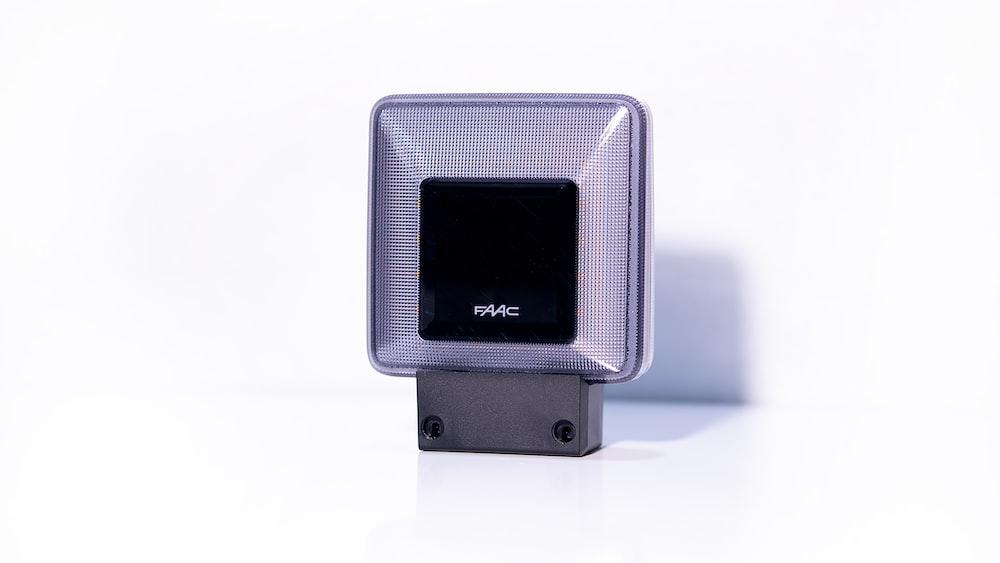 black and silver ipod nano