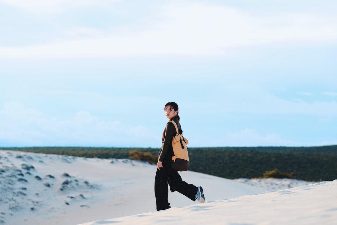 White Sand Dunes - unsplash
