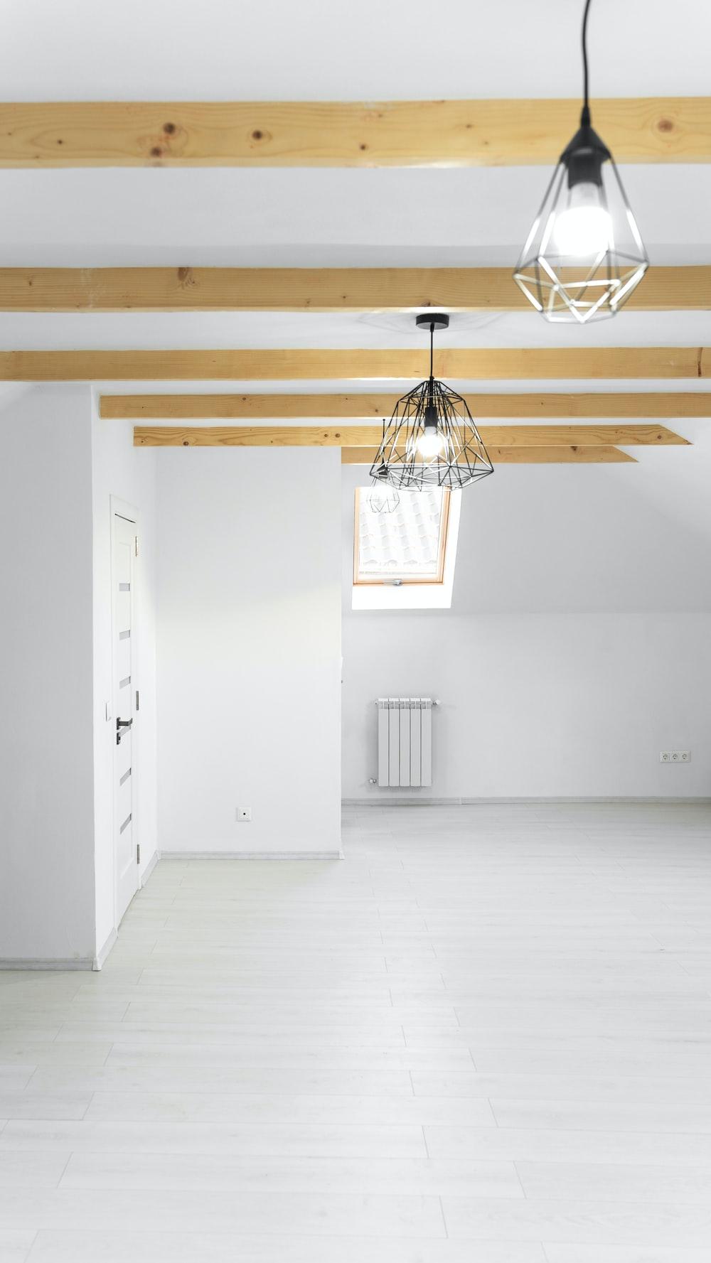 white ceiling fan turned off