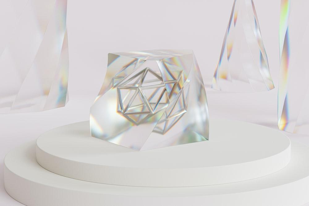 clear glass diamond shape table decor