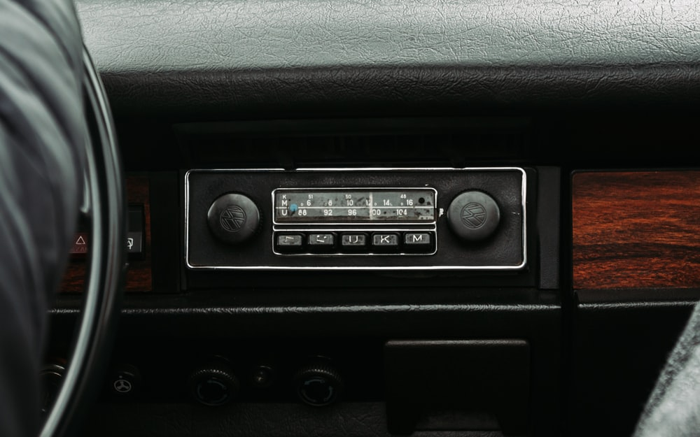 black car stereo turned on at 2 00