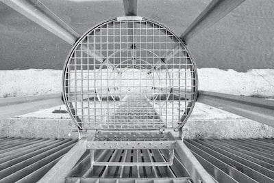 circular metal frame, black and white