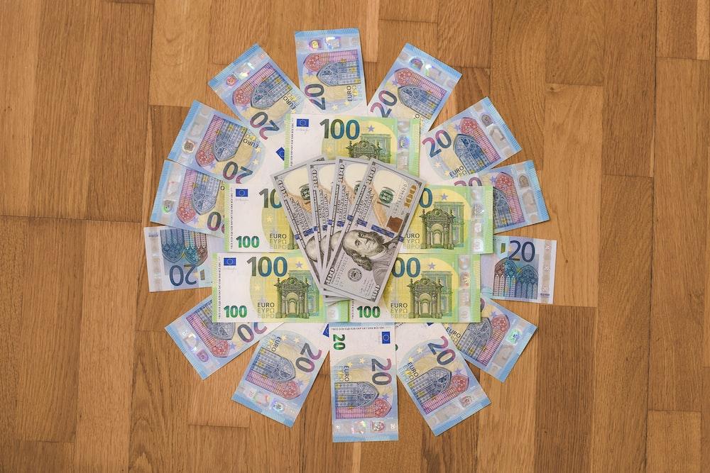 10 and 20 euro banknotes