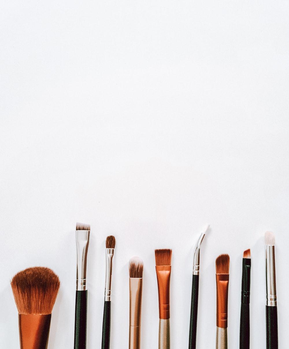 brown and silver makeup brush set