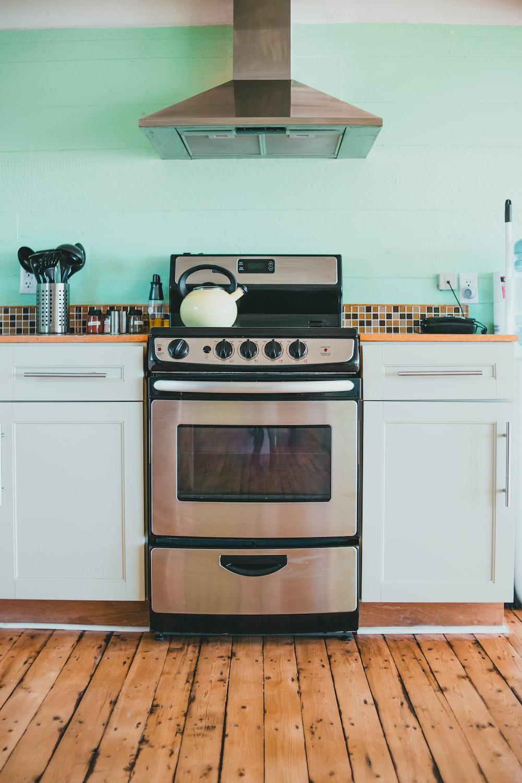 white and black gas range oven