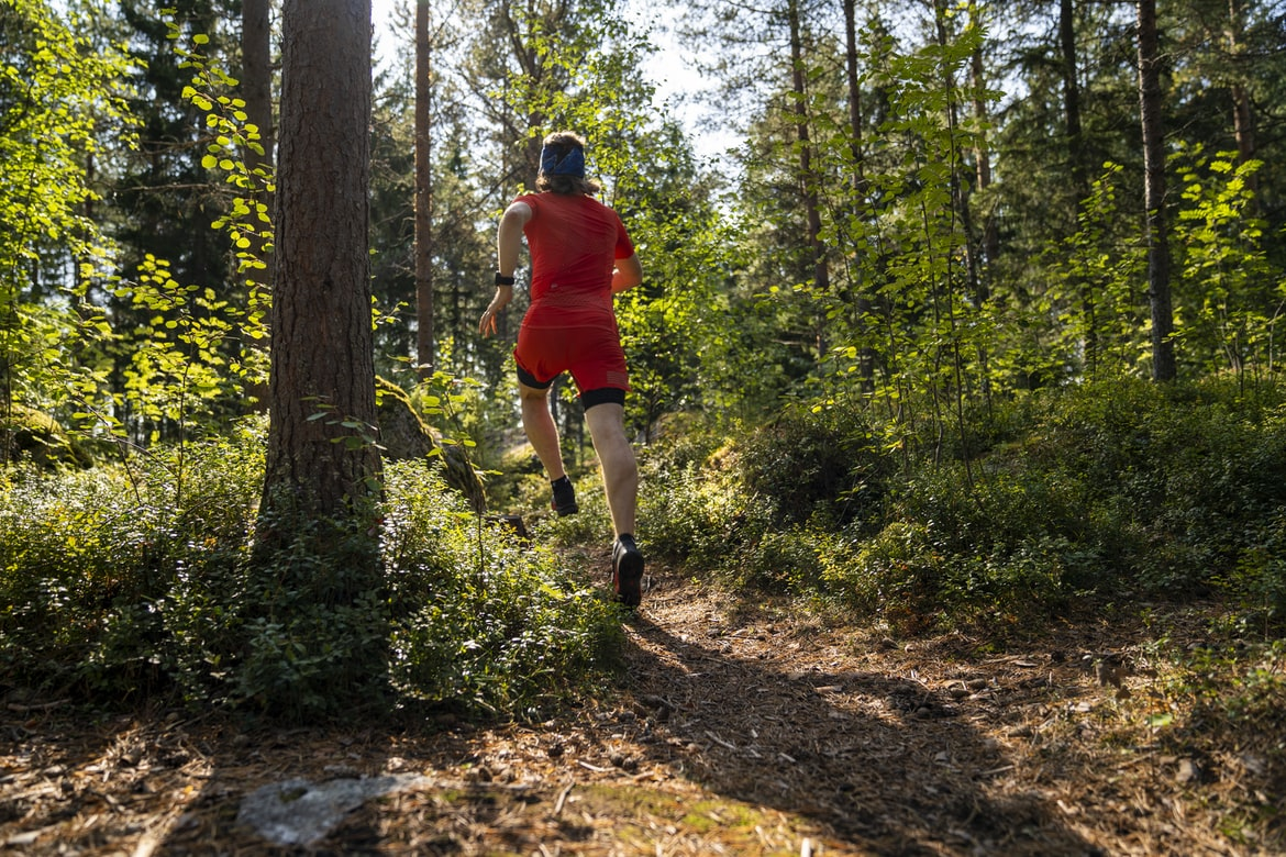 Trailrunning on soft forest trails.