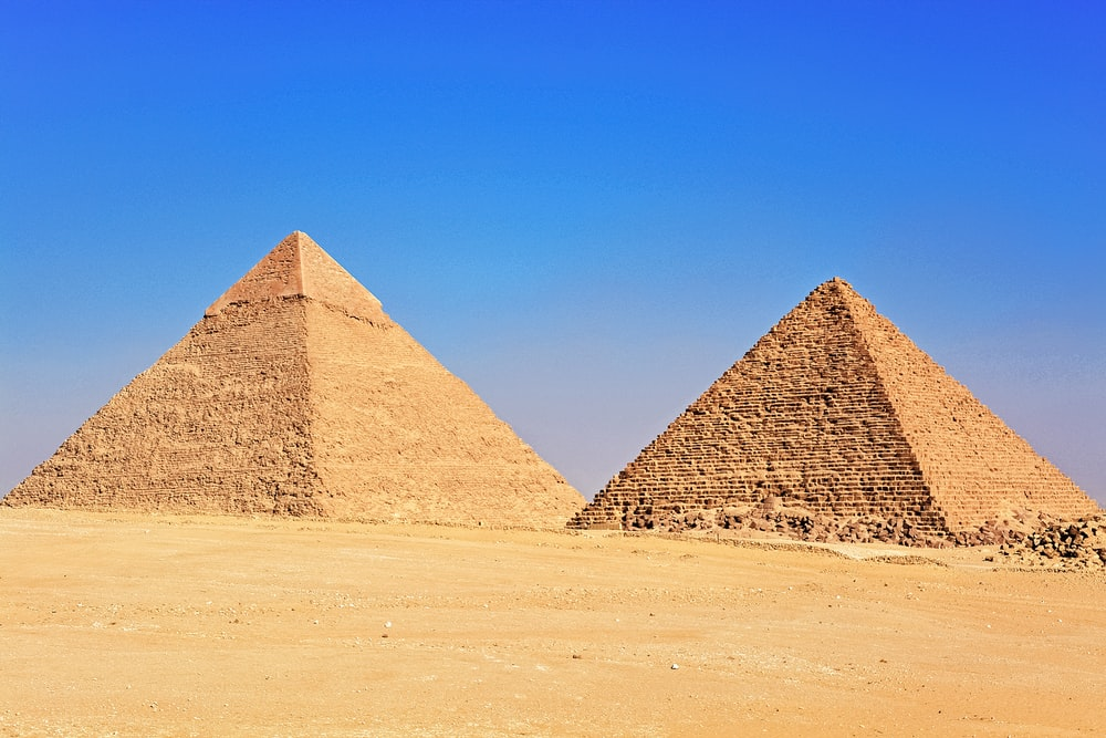 pyramid of giza in the desert during daytime