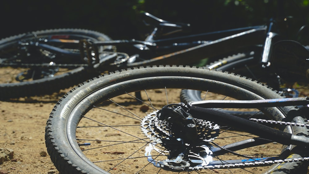 black bicycle wheel with tire