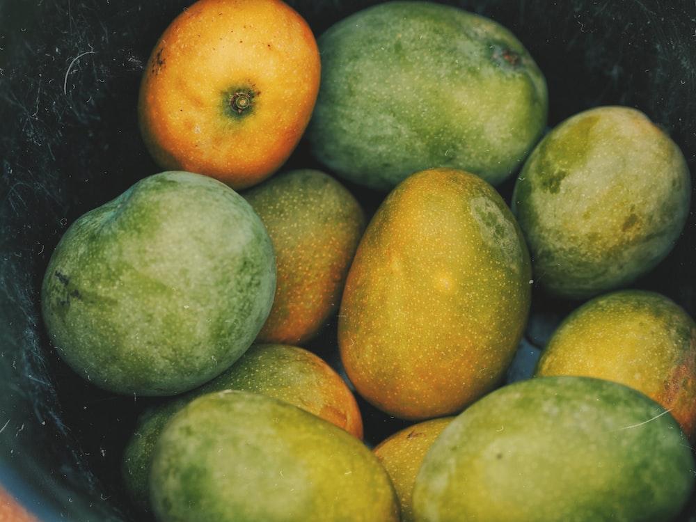 orange and green citrus fruits