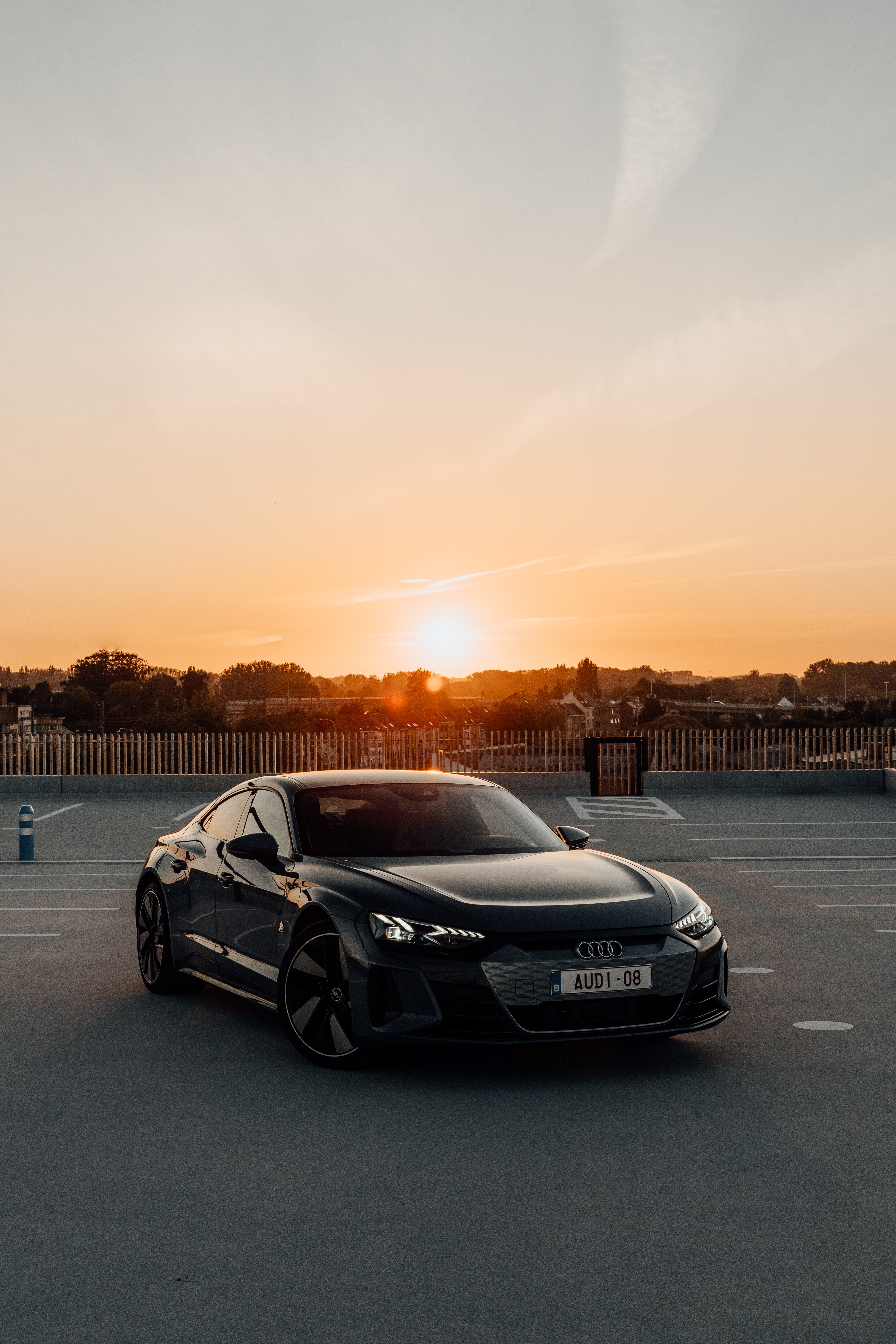 Testdriving the new electric sportscar (Audi Etron GT) through Aalst during sunset. Instagram: @Kenny.leys