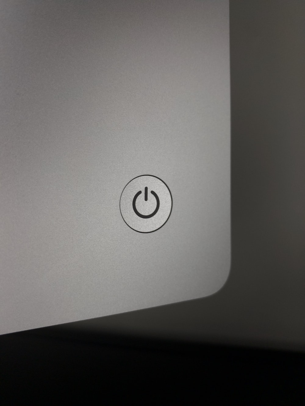 white and black hp laptop