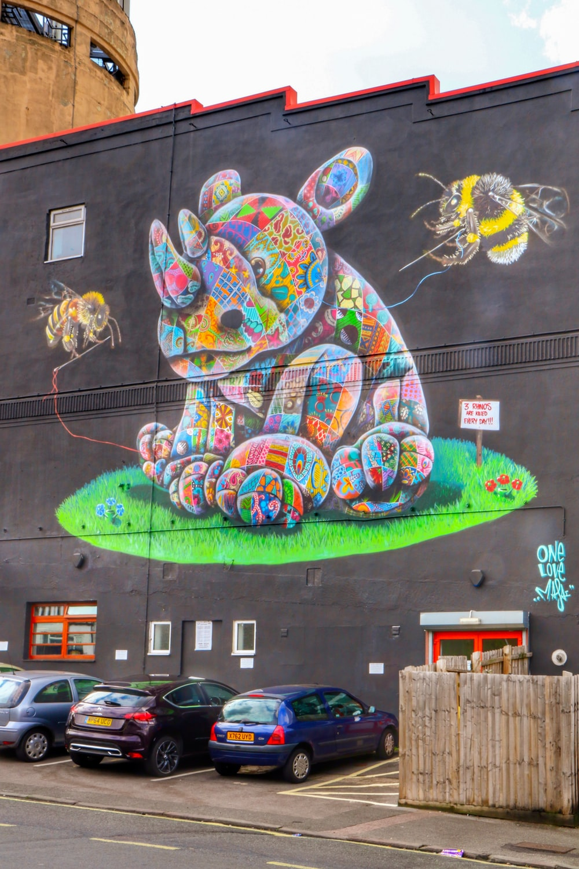green and yellow wall graffiti