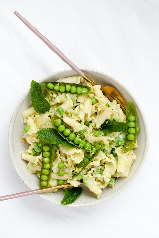 green beans on white ceramic bowl