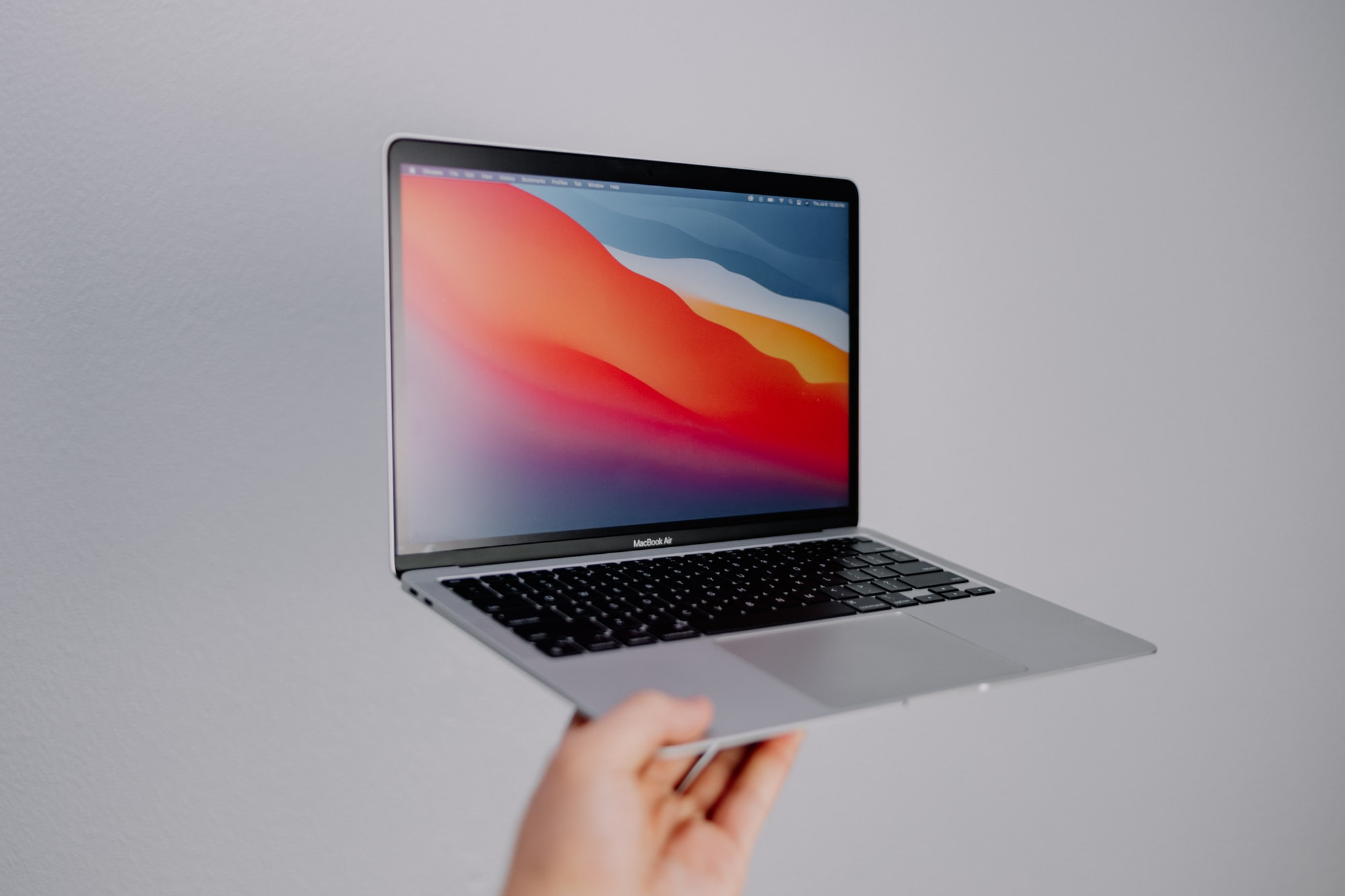 Caça promoções: MacBook Air M1 com 14% de desconto