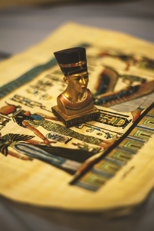 black and gold buddha figurine