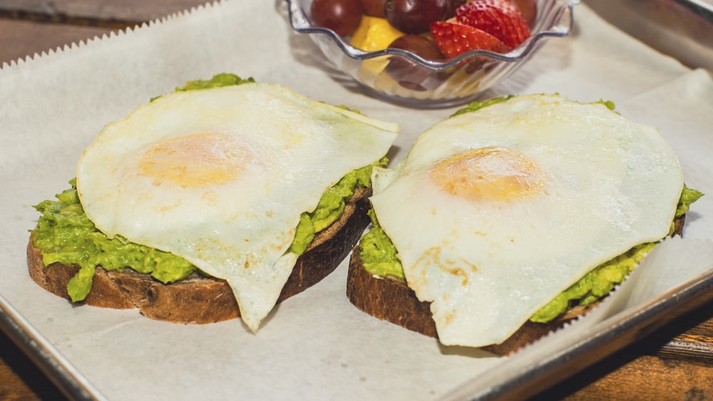 burger with egg and vegetable