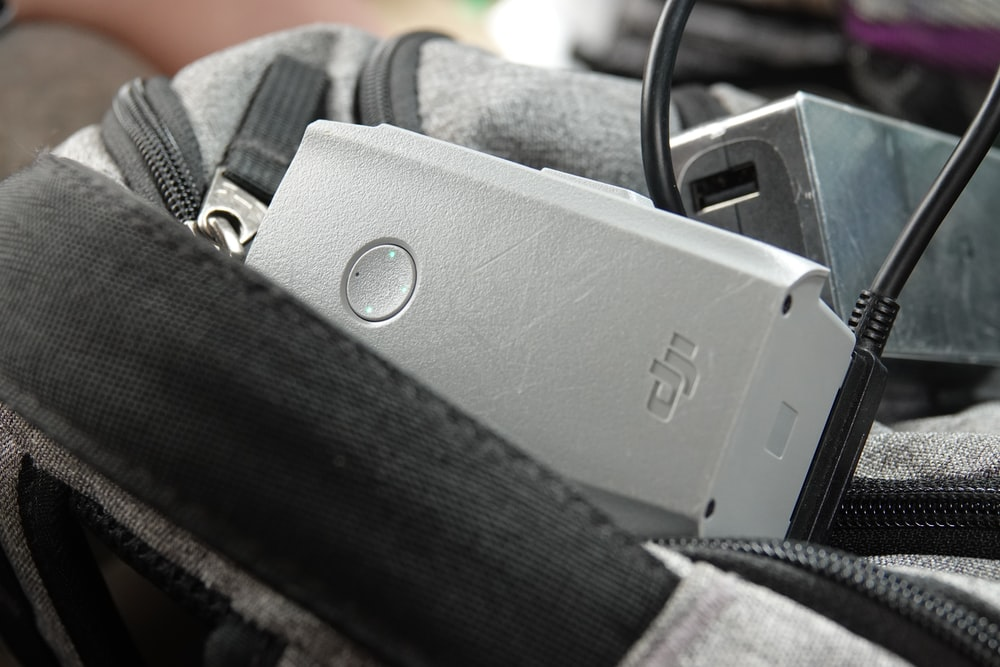 black and gray belt buckle