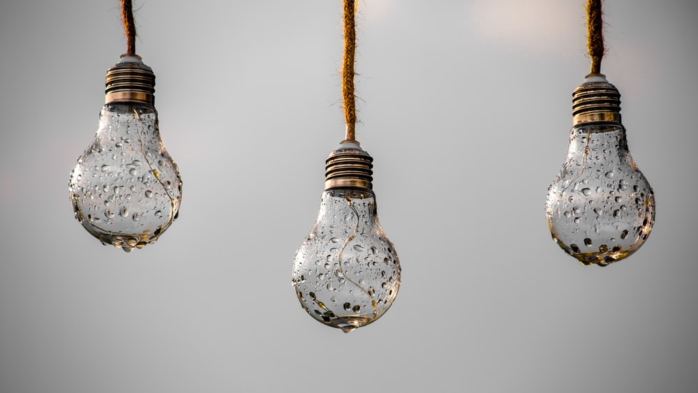 2 light bulb turned off