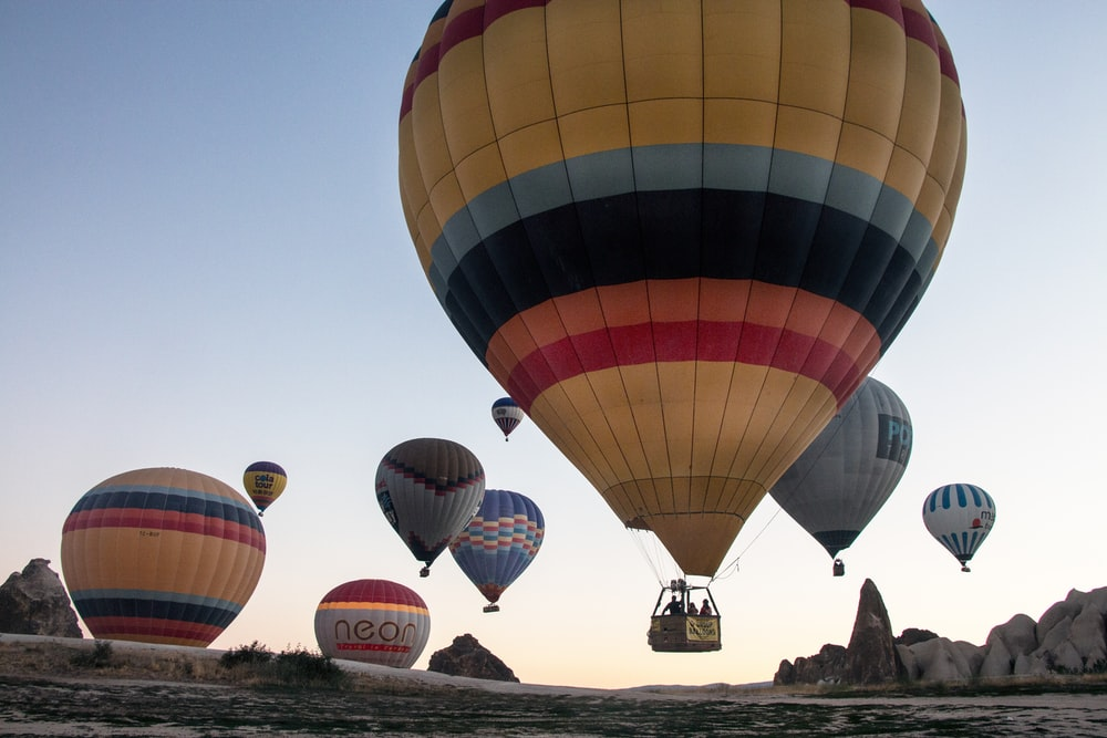 red blue and yellow hot air balloon