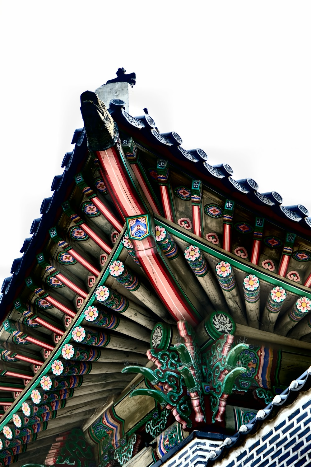 green and brown wooden roof