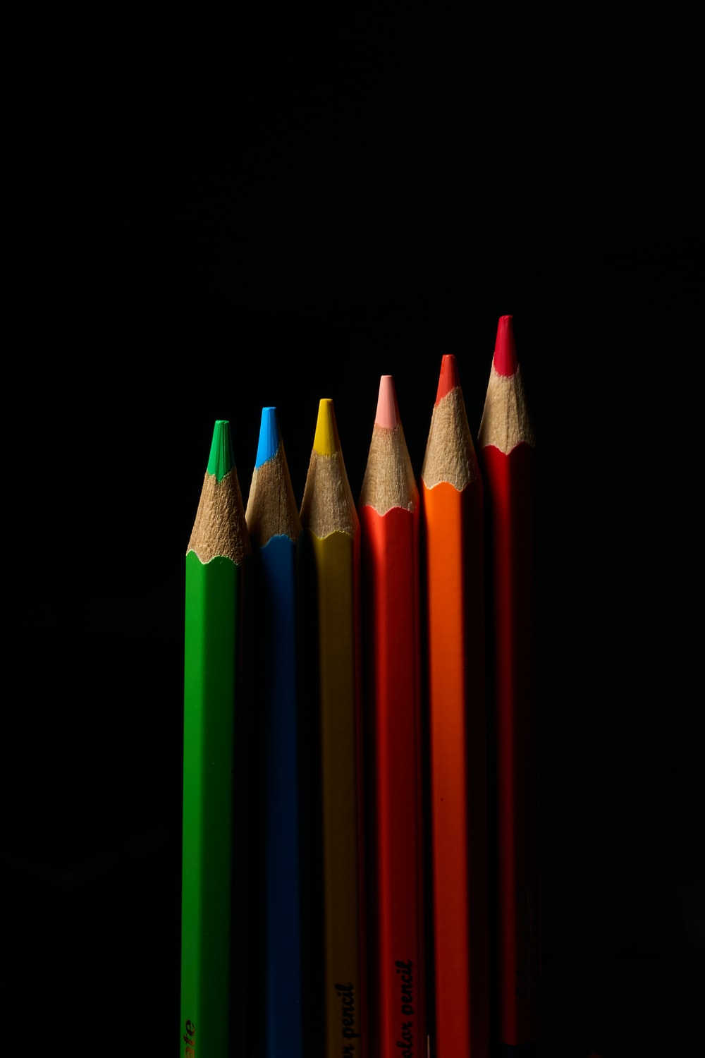 red green and blue color pencils