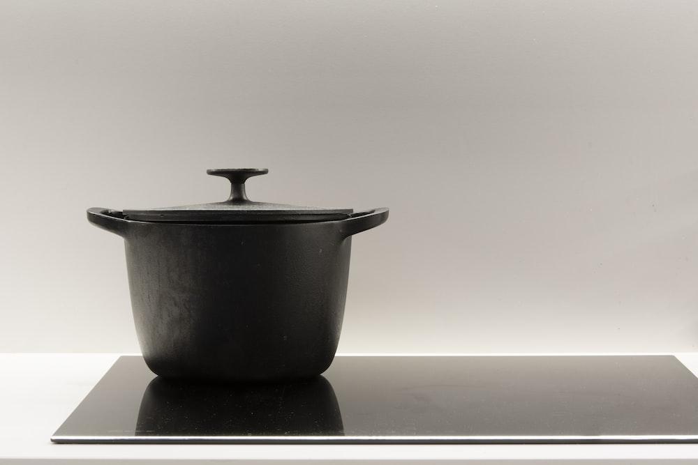 black ceramic bowl with lid