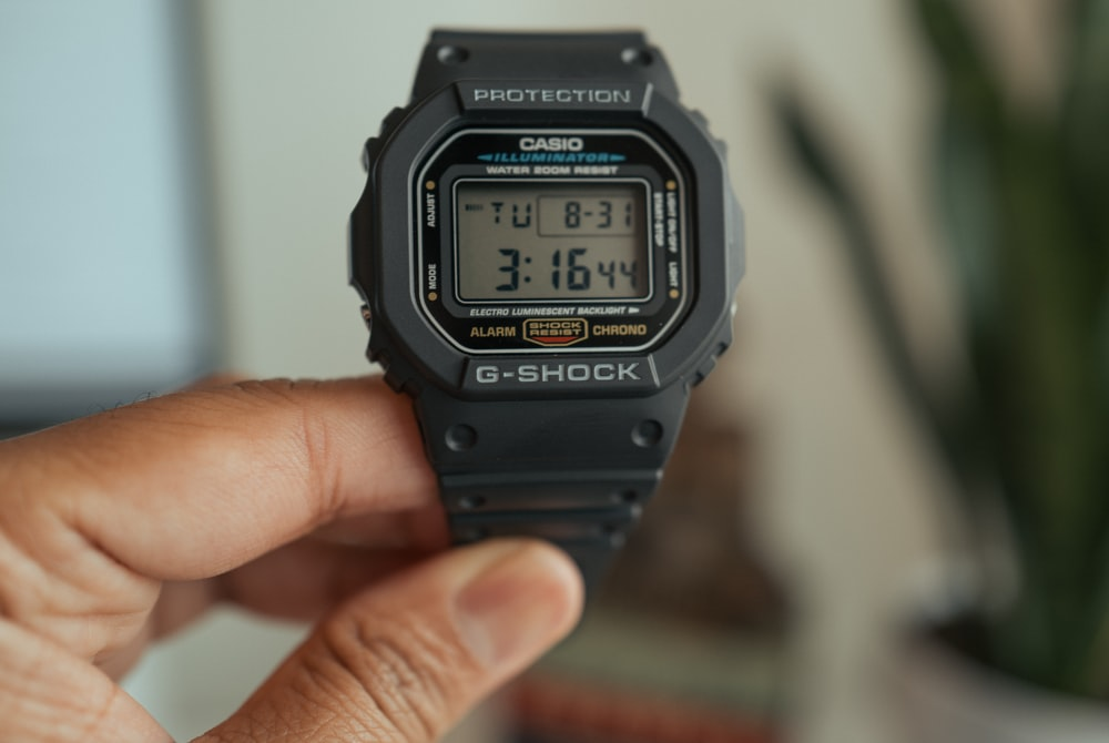 black casio g shock digital watch