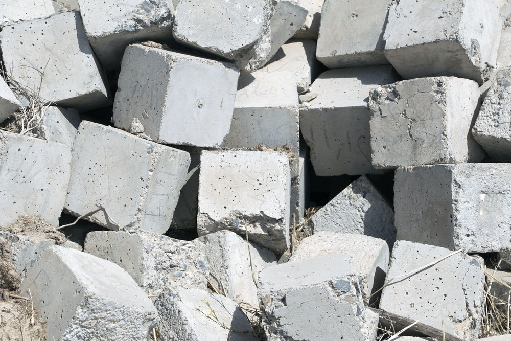white and gray stone fragments