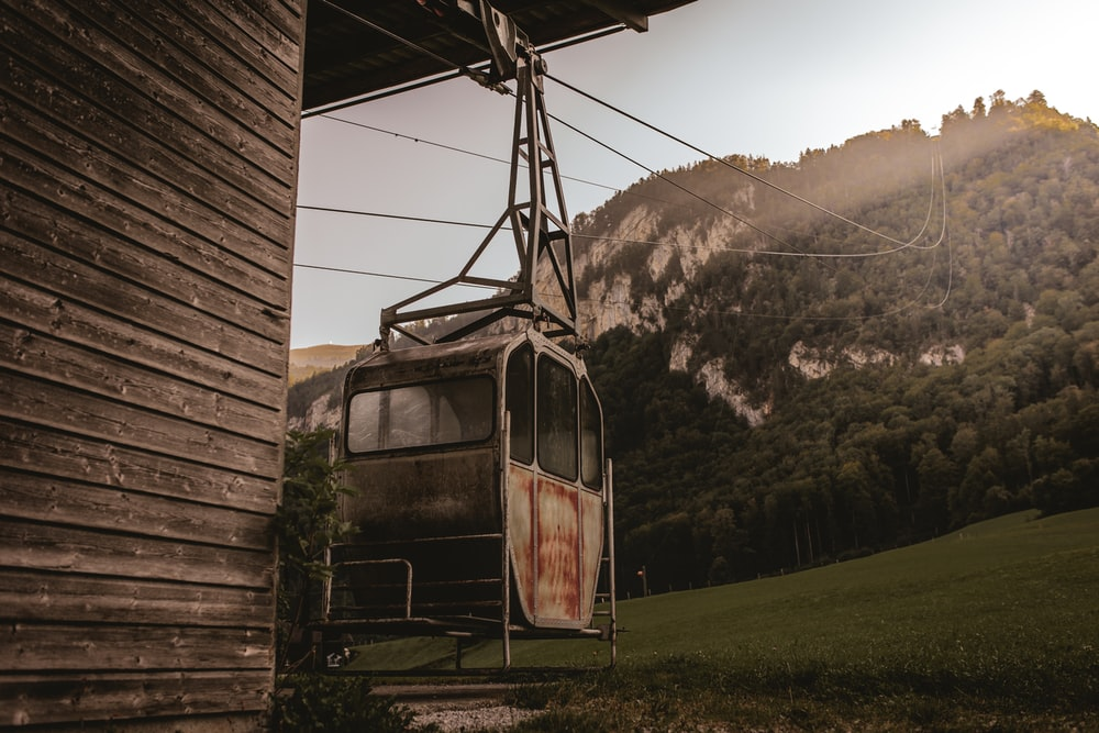 brown and black cable car
