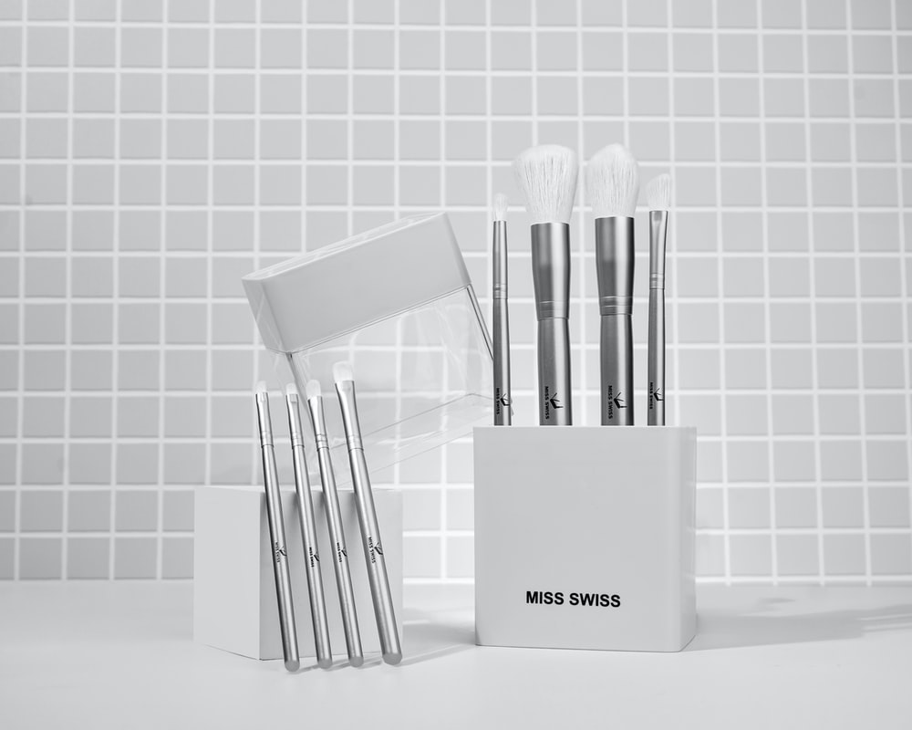 white and silver makeup brush set