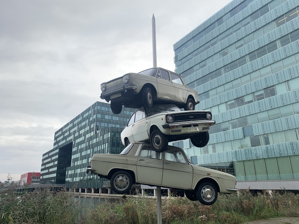 grey and white car statue