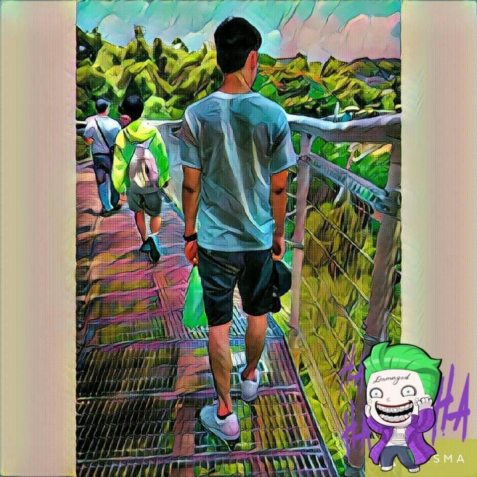 Go to 鍾 隆泰's profile