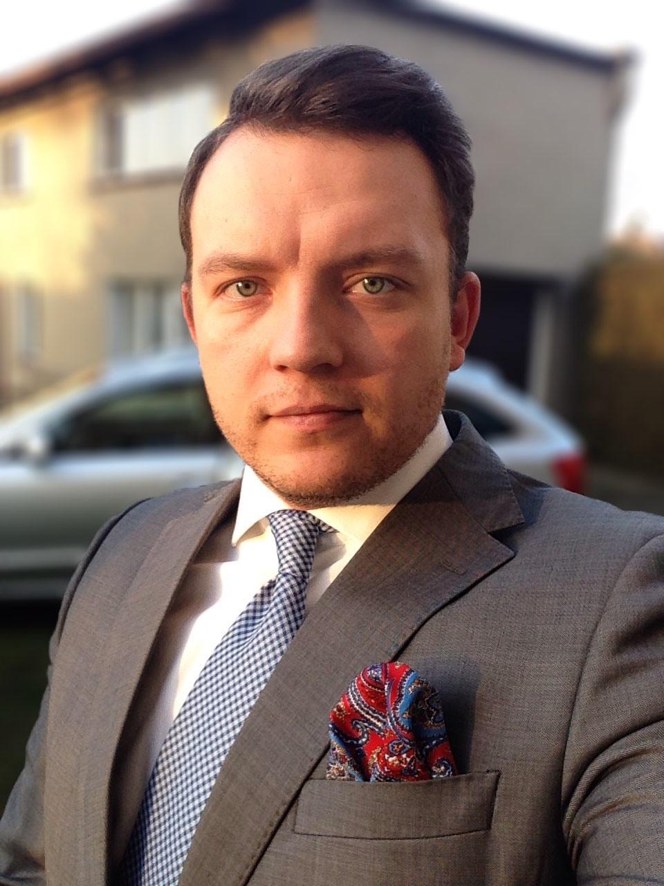 Go to Cezary Kukowka's profile