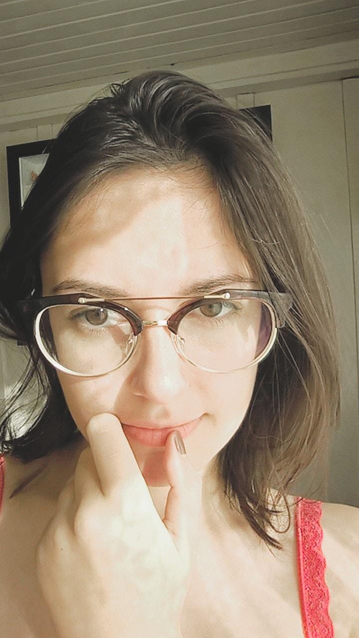 Go to Ariane Hackbart's profile