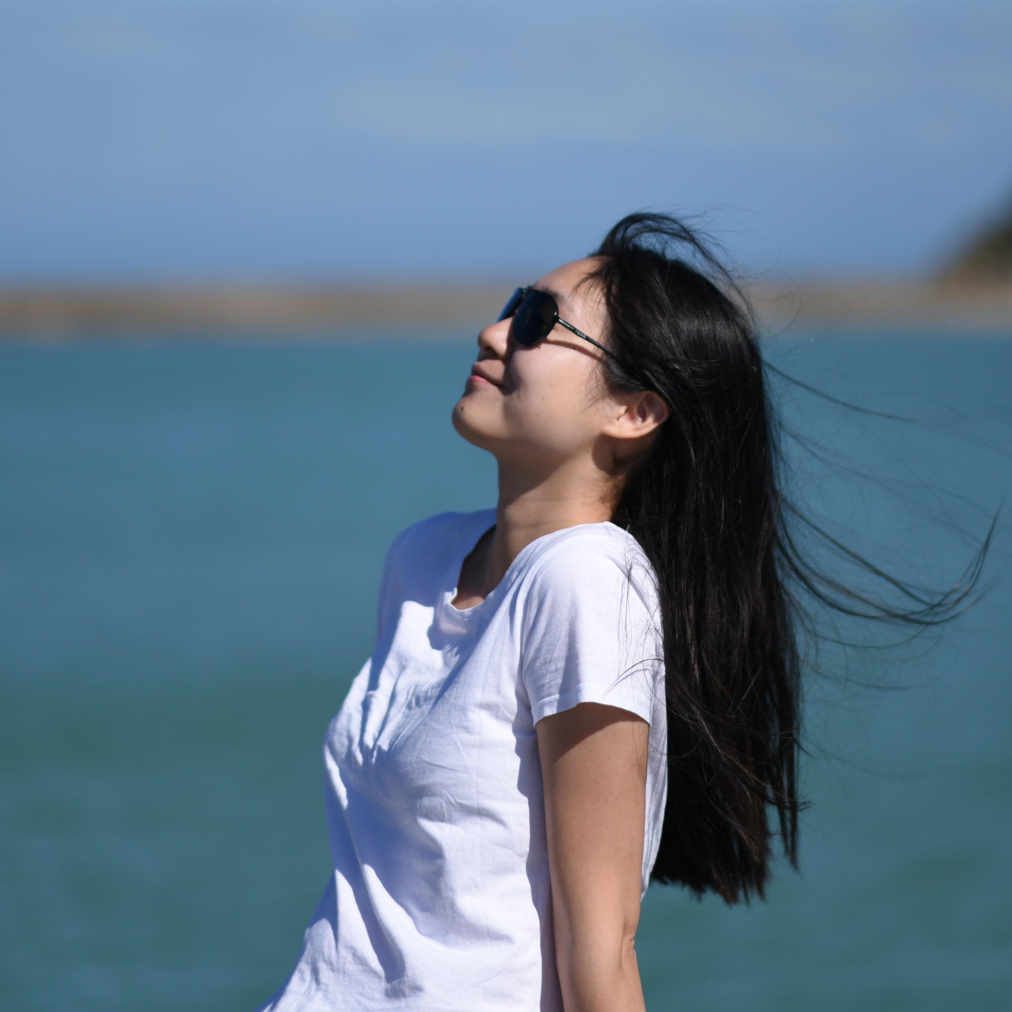 Go to 童 彤's profile