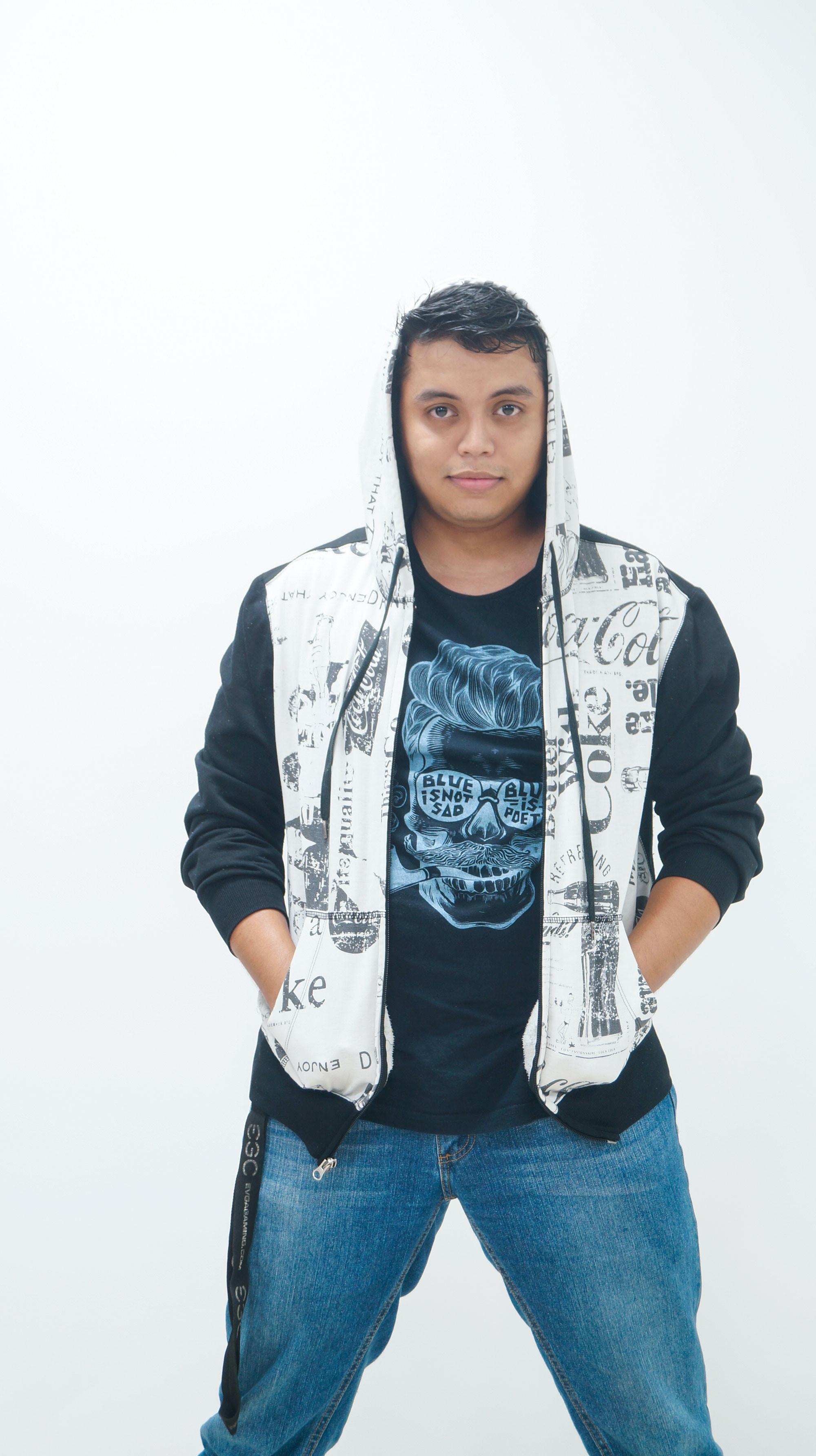 Go to Juan Apolinar's profile