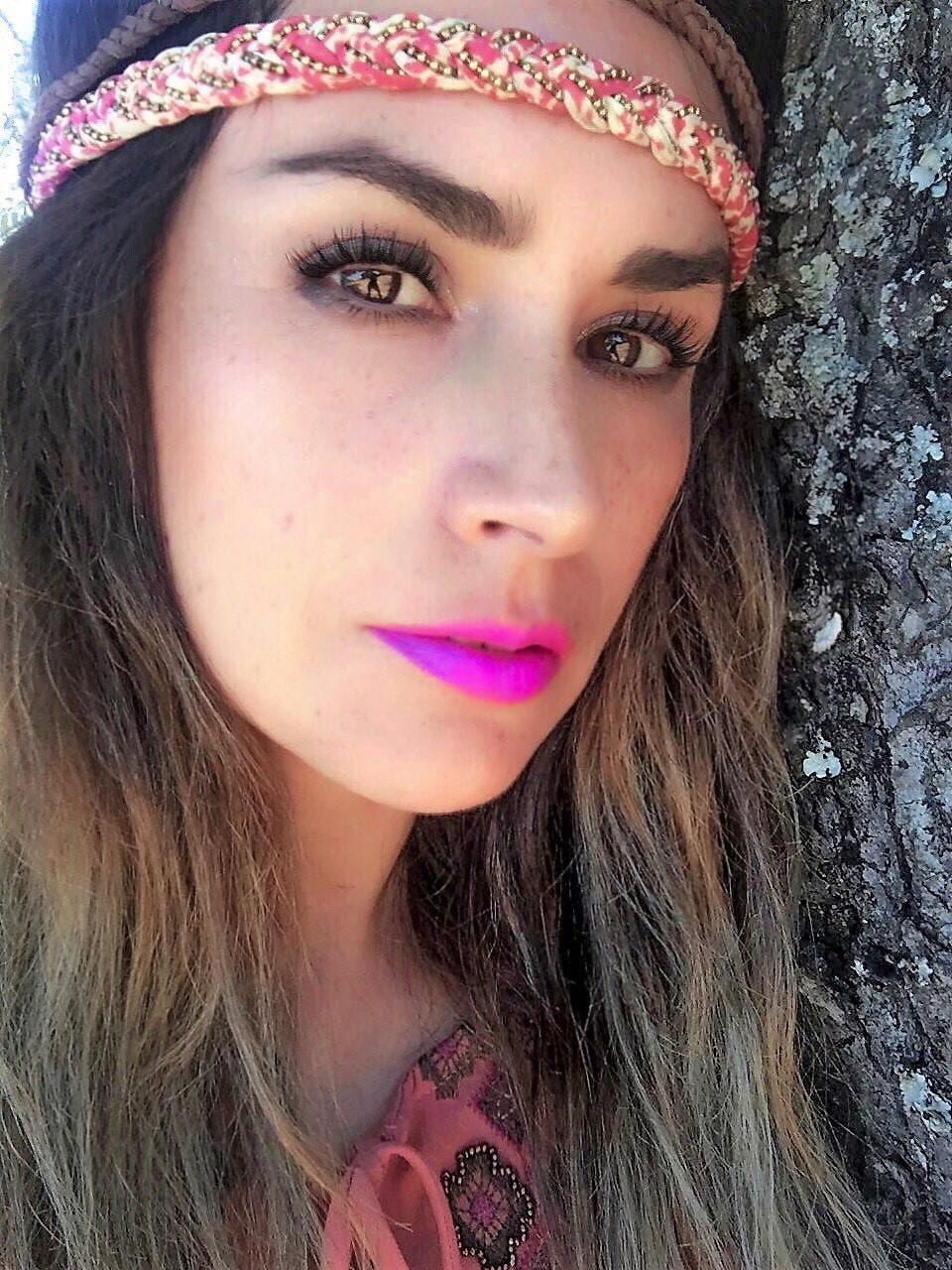 Go to Nivia Espinoza's profile