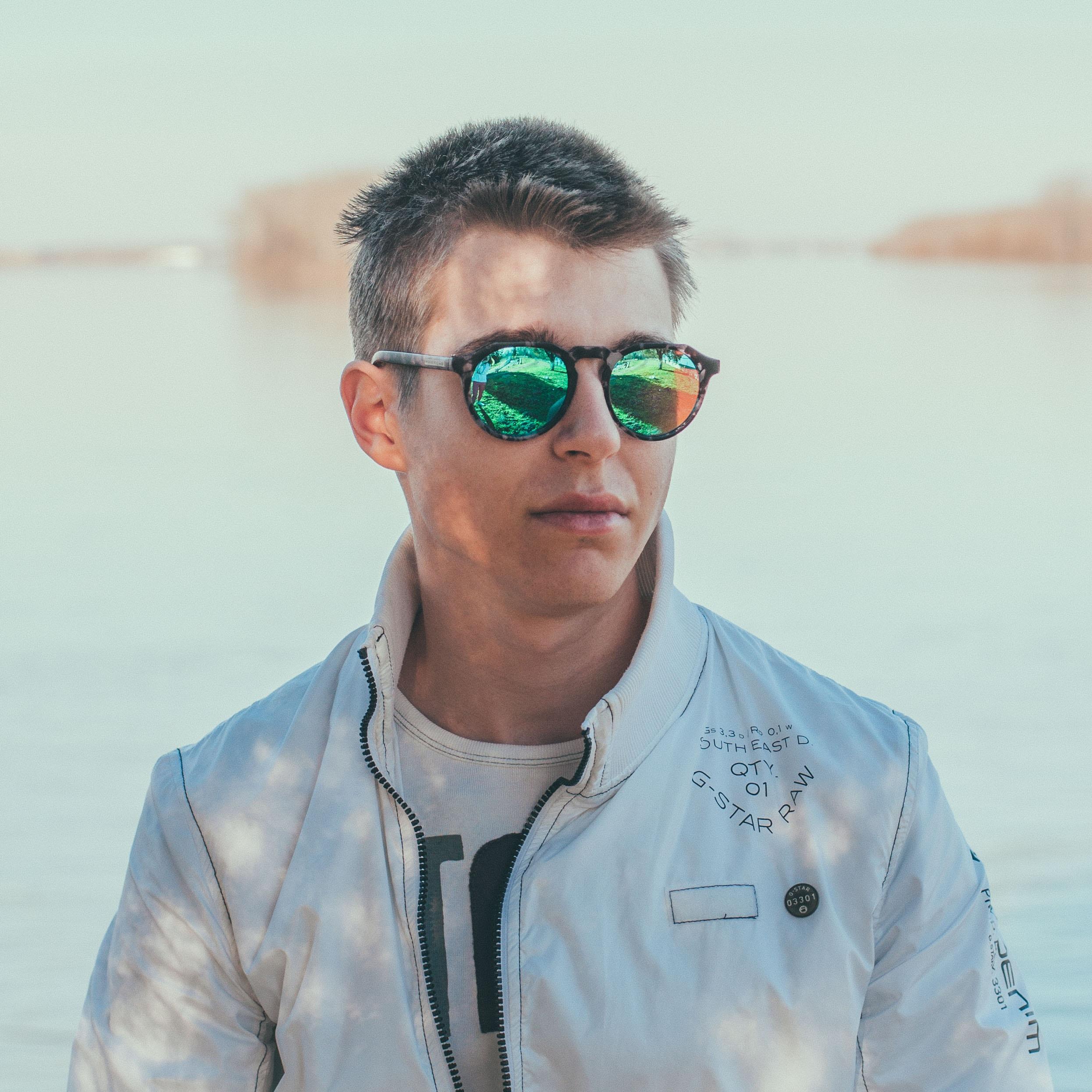 Go to Evgeni Evgeniev's profile