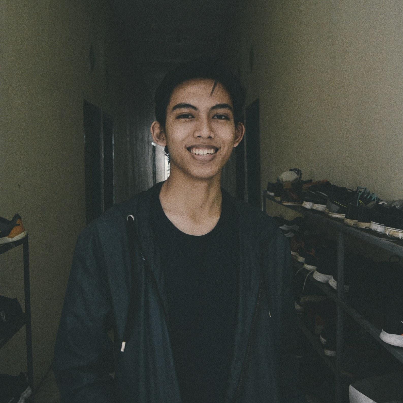 Go to Azfan Nugi's profile
